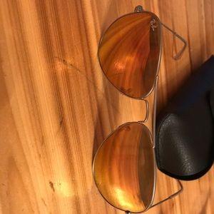 Ray-Ban RB3025 Aviator Metal Pink Sunglasses